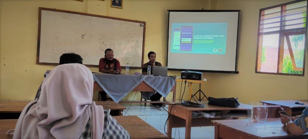 Sosialisasi Aplikasi ABUS Absensi Berbasis Android Bagi Guru SMK